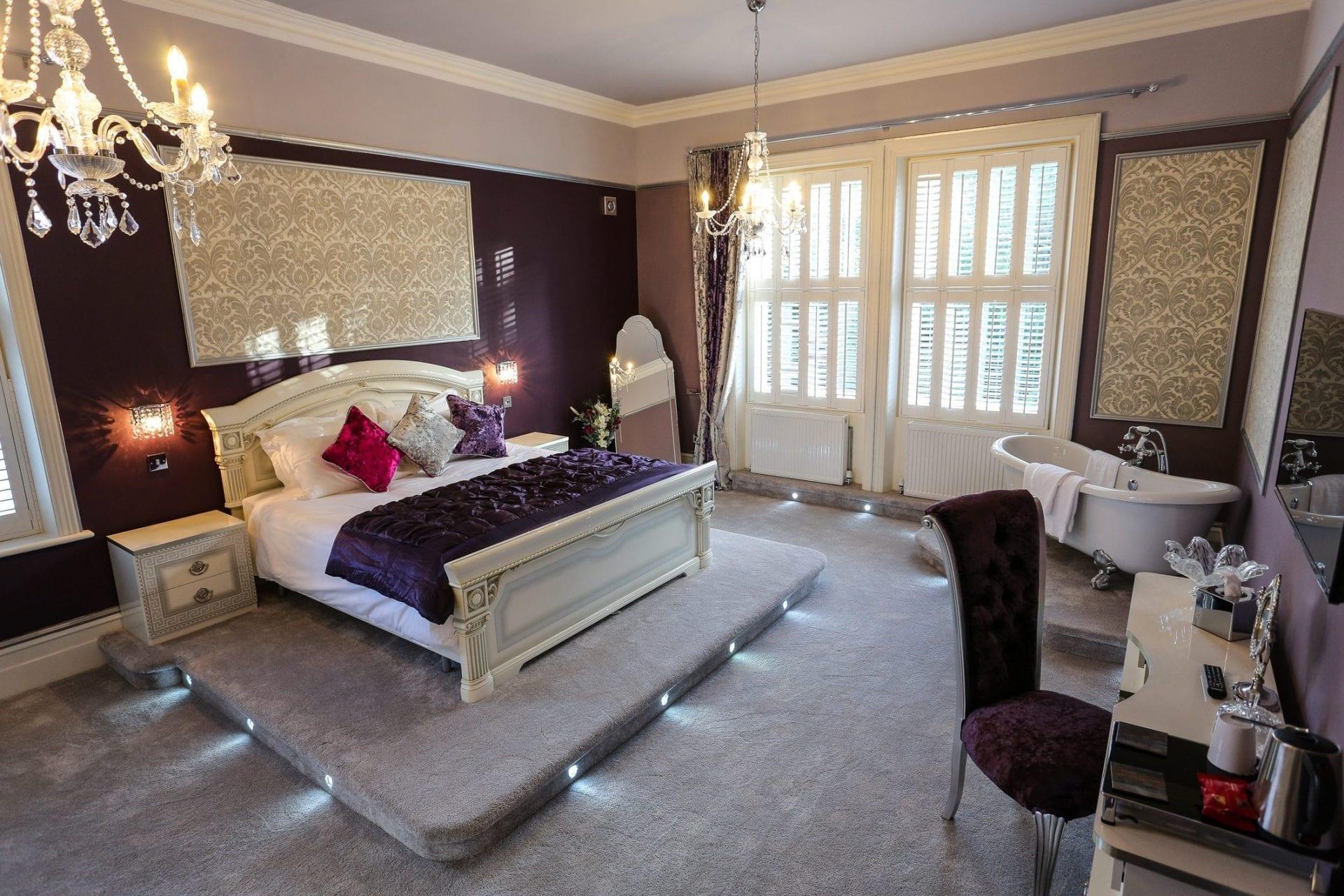 Gold cup honeymoon suite derby manor for Honeymoon suites in ohio